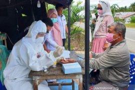 Pemkab Aceh Barat wajibkan semua pendatang rapid test COVID-19