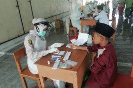 Biddokes Polda Banten lakukan tes cepat santri Ponpes Nawawi Albantani
