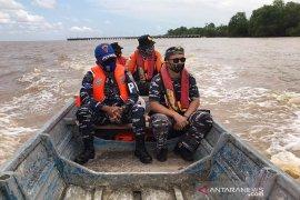 Kapal pencari ikan karam dua nelayan hilang, tim gabungan lakukan pencarian