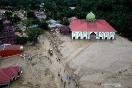 Data terkini BPBD: 24 orang meninggal dan 69 hilang akibat banjir di Luwu Utara
