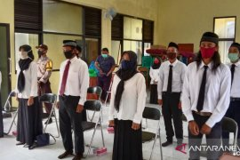 Anggota BPD Desa Berangas dan Teluk Masjid dilantik