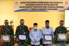 Bupati Aceh Barat raih penghargaan terbaik di Aceh, karena program Sejuta Akseptor KB Se-Indonesia sukses