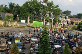 Hari Bhakti Adhyaksa, Kejari Aceh Utara bagi-bagi sembako untuk tukang becak