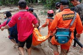 Tim SAR lanjutkan pencarian 15 korban banjir Luwu Utara