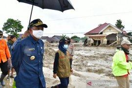 Empat sekolah tertimbun lumpur dan digenangi air akibat banjir bandang di Luwu Utara