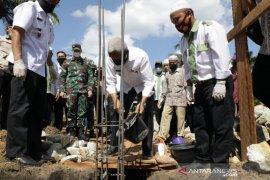 Bupati Asahan bantu pembangunan Musholla Al Fajar Desa Sei Alim Hassak