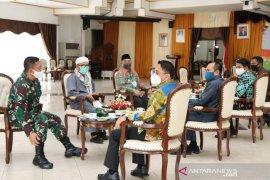 Video - Pemkab HSS sambut kunjungan Forkopimda Kalsel ke Kampung Tangguh Banua