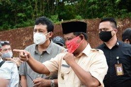 Wagub Jabar tutup lokasi tambang ilegal di Kertarahayu Bekasi