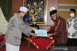 Pemkab Banjar berikan insentif kepada ratusan guru agama