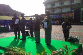 Pangdam XII/Tpr serahkan penghargaan kepada 12 purnawirawan