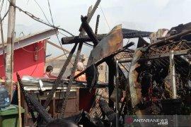 Padamkan api di pemukiman Paseban, 22 mobil damkar dikerahkan
