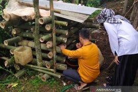 Pria dengan gangguan jiwa di Sukabumi dikerangkeng, dewan setempat upayakan therapi