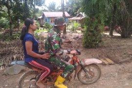 Anggota TMMD bonceng warga, wujud nyata kemanunggalan TNI- Rakyat