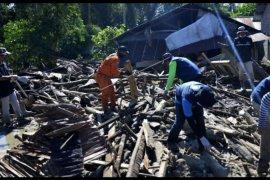 Pencarian korban banjir Luwu Utara