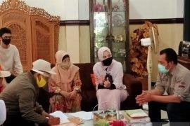 Ketua KPU Jatim pantau coklit pemutakhiran data pemilih di rumah Bupati Jember