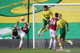 Burnley menang atas sembilan pemain Norwich untuk jaga asa ke Eropa
