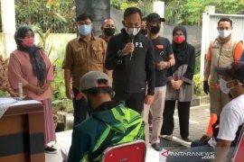 Wali Kota Bogor ingatkan camat dan lurah awasi penyaluran Bansos