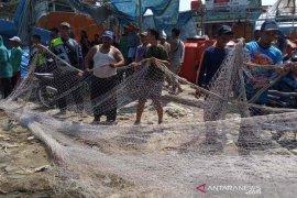 Nelayan Indramayu rugi adanya alat tangkap tidak ramah lingkungan