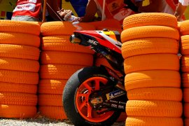 Tulang lengan atas kanan Marquez retak setelah kecelakaan di Jerez