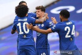 Tuntaskan revans, Chelsea menyisihkan MU menuju final Piala FA