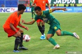 Aji Santoso bangga empat pemain Persebaya dipanggil Timnas Indonesia