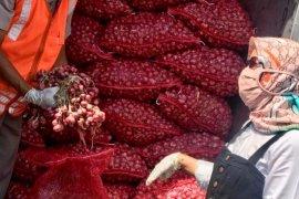 Puluhan ton bawang merah Probolinggo dikirim ke Thailand