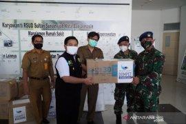 Wali Kota Banjarmasin terima bantuan APD dari Lanud Syamsudin Noor