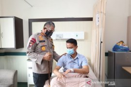 Kapolda Sumut jenguk dua polisi korban penganiayaan