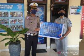 Jasa Raharja Babel serahkan bantuan pembangunan pos polisi Kota Manggar