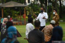 Presiden Jokowi minta bantuan modal kerja tak digunakan beli Hp, Pulsa