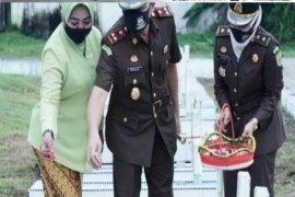 Kejari Tebing Tinggi ziarah ke Taman Makam Pahlawan