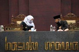Gubernur Khofifah: Pembatasan kegiatan masyarakat diatur melalui perda