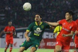 Mahmoud Eid tunggu instruksi manajemen Persebaya kembali ke Surabaya