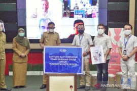Bogor terima bantuan ventilator dan APD untuk tenaga kesehatan