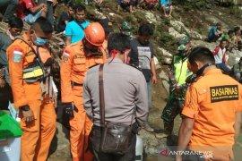 Korban hanyut di Ulok Kupai Bengkulu Utara belum ditemukan