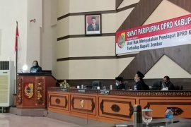 Paripurna DPRD Jember sepakat usulkan pemberhentian Bupati Faida