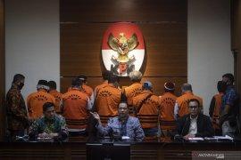 KPK peringatkan tiga mantan Anggota DPRD Sumut agar penuhi panggilan