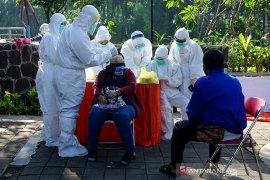 Dokter di Blitar meninggal positif COVID-19, puluhan pasiennya jalani swab test