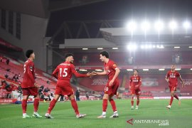 Liverpool tandai penyerahan trofi dengan tundukkan Chelsea