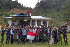 Lima anggota KKSB pimpinan Puron Wenda yang nyatakan kembali ke NKRI