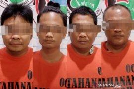 Empat tersangka narkoba dibekuk Polres HST, salah seorang adalah PNS