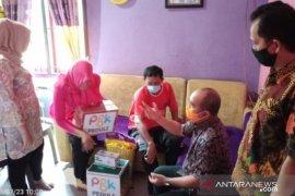 Wako Pangkalpinang berikan bantuan kepada ASN terkena stroke