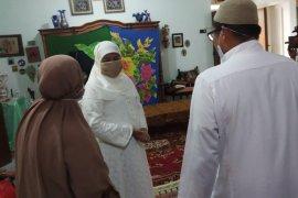 Gubernur Khofifah ucapkan duka cita meninggalnya ibunda Ketua DPD