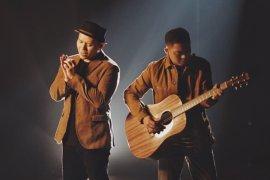 "Ade Govinda dan Fadly Padi rilis lagu bertema cinta ""Tanpa Batas Waktu"""