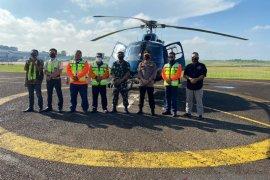 Danrem 042/Garuda Putih Brigjen TNI Zulkifli dan Kapolda Jambi patroli udara pantau karhutla