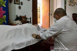 Ibunda Ketua DPD La Nyalla Mattalitti wafat