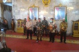 Panglima TNI ingatkan Pemerintah Sumsel tetap waspada corona