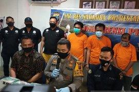 15 kilo sabu dan 20 ribu ekstasi nyaris  beredar, polisi Medan menggagalkannya
