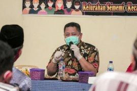Whisnu apresiasi sistem keamanan kampung satu pintu di Surabaya
