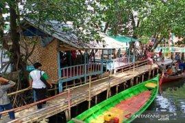 Baznas Bekasi bantu UMKM di objek wisata Sungai Jingkem